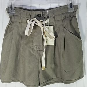 The Korner Paperbag Waist Shorts NWT Size 6
